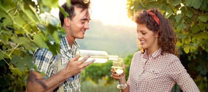 Paar findet sich auf Landwirtflirt