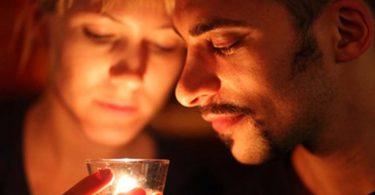 Silent Dating - Gefühle und Mimik sprechen lassen