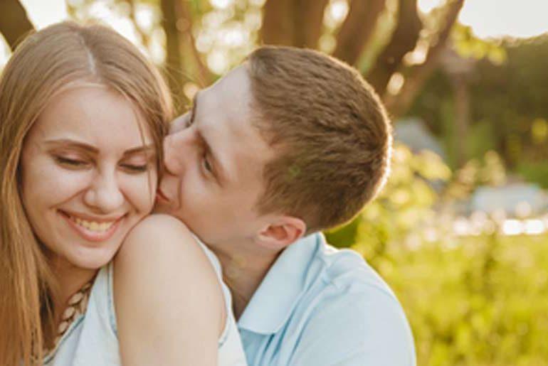 Paar findet sich auf OKCupid