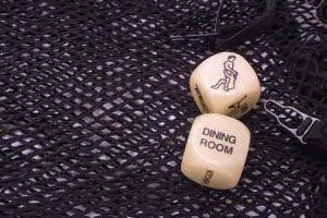 Auf Kamasutra basierender Würfel eines Liebesspiels